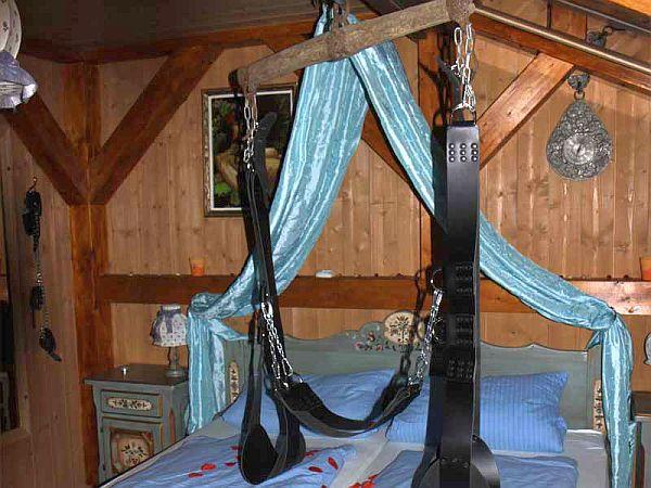 Unsere Liebesschaukel in der Romantik Alm Suite bei Romantikresort